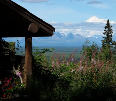 Denali View Guesthouse with Denali in the back