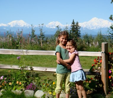 The childeren in front of Denali